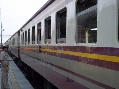 Train from Chiang Mai to Lopburi