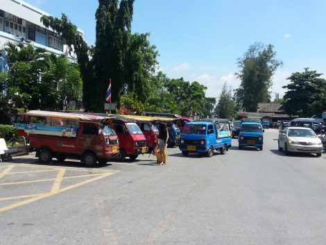 Taxi vans at Hat Yai Train Station
