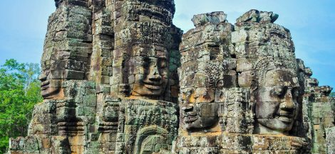 Angkor Wat is 152 km from Aranyaprathet