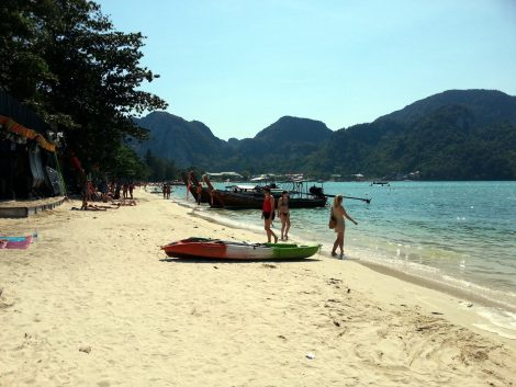 Loh Dalum Beach in Koh Lipe
