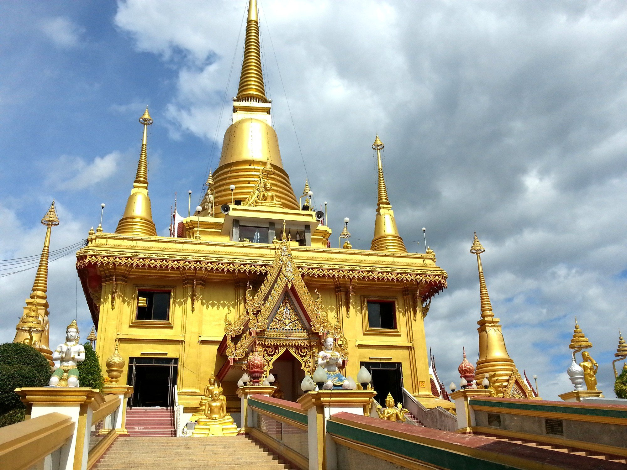 Phra Chulamani Chedi in Nakhon Sawan