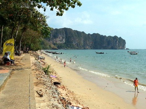 Phantip services to Surat Thani Railway Station depart from Ao Nang