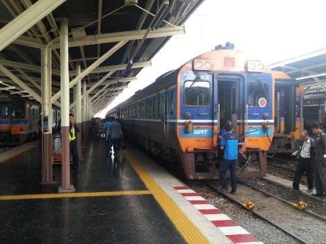 Train 7 from Bangkok to Chiang Mai is still operating